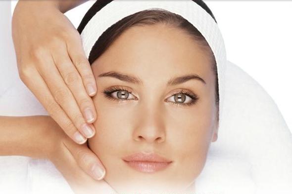 Beneficiile multiple ale masajului facial